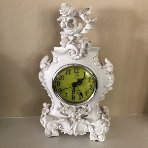 2002 Decorative Clock